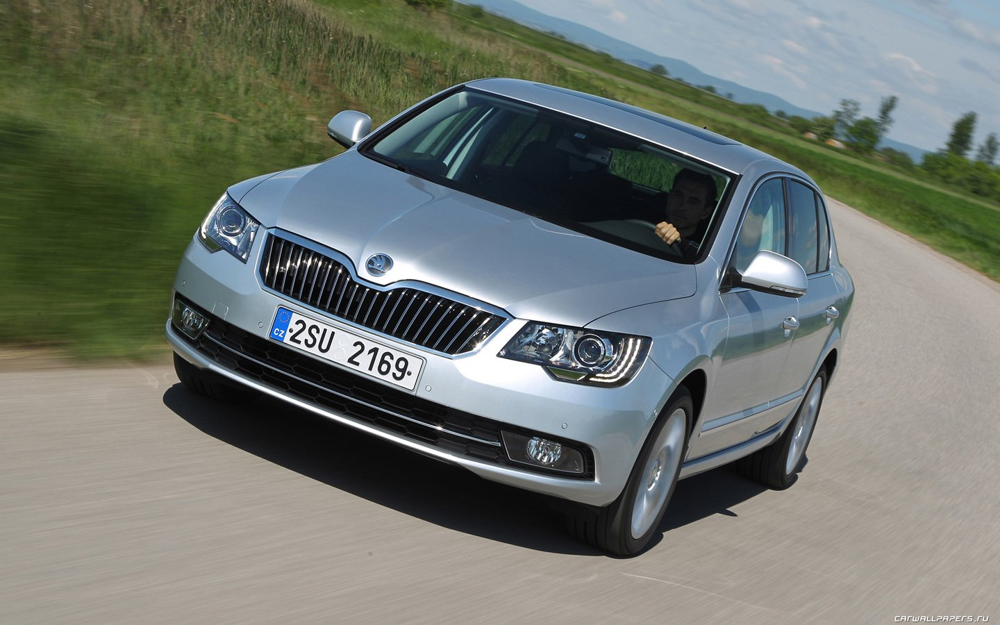 Skoda-Superb-new