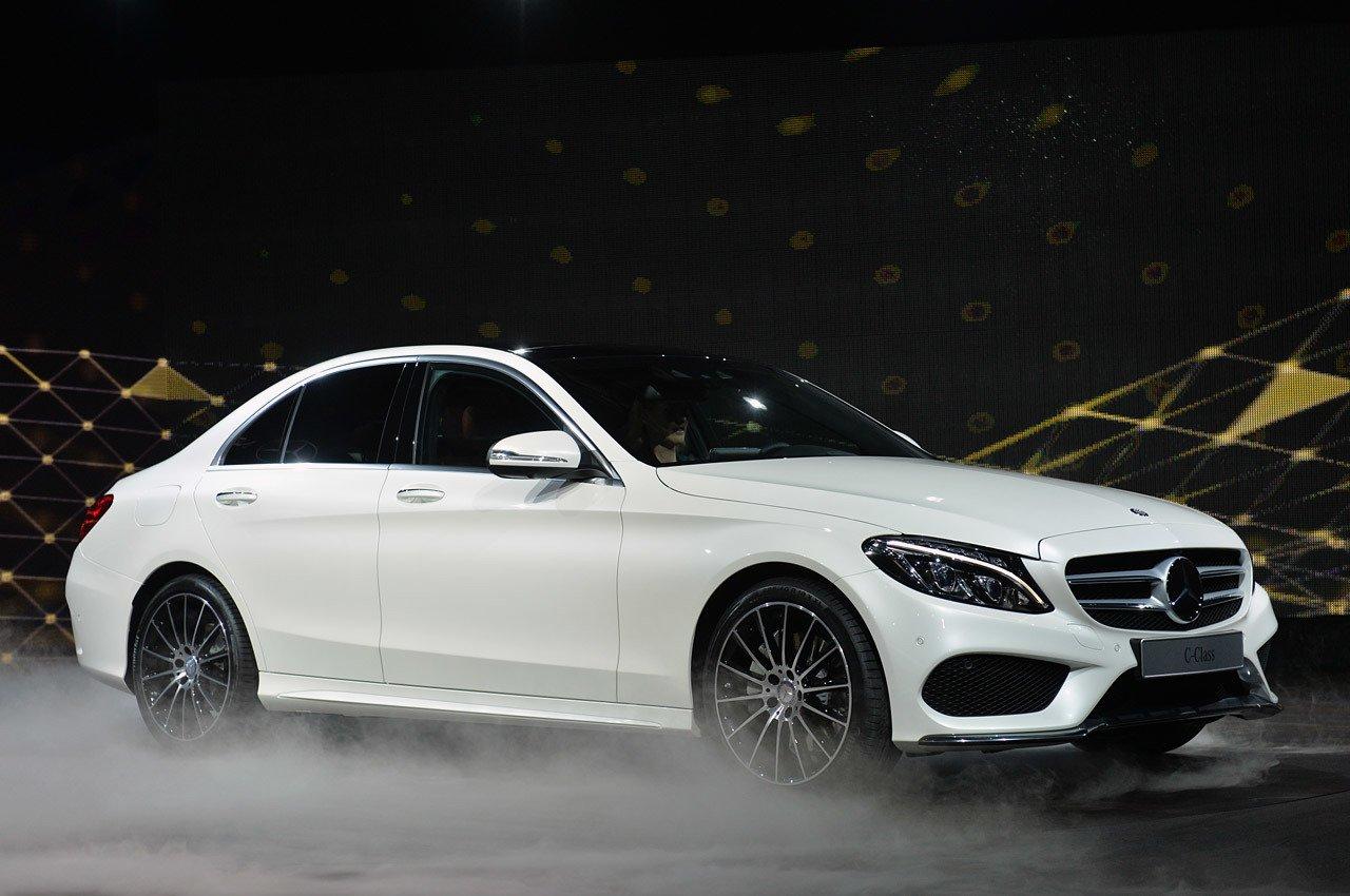Mercedes benz c class for Mercedes benz video