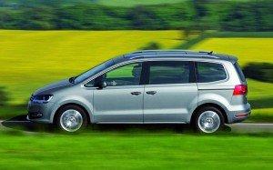 VW Sharan вид сбоку