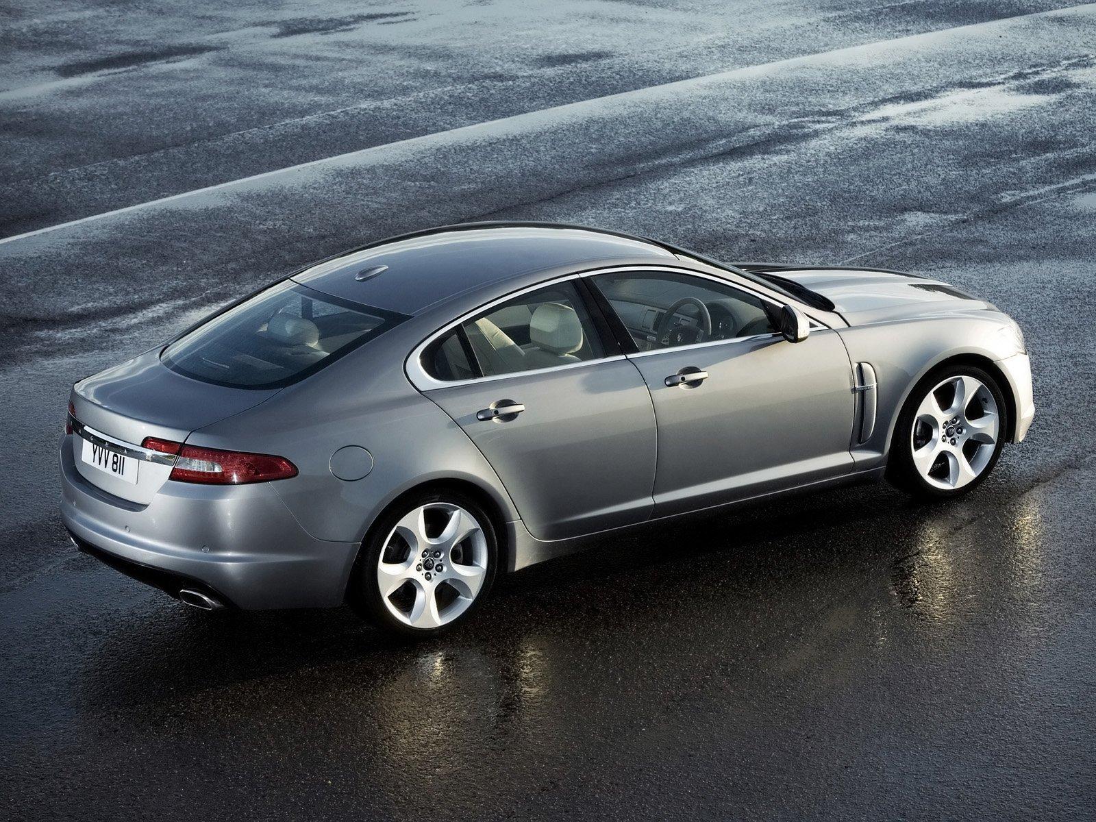 Компания Jaguar планирует каждый год радовать своих поклонников новым автомобилем