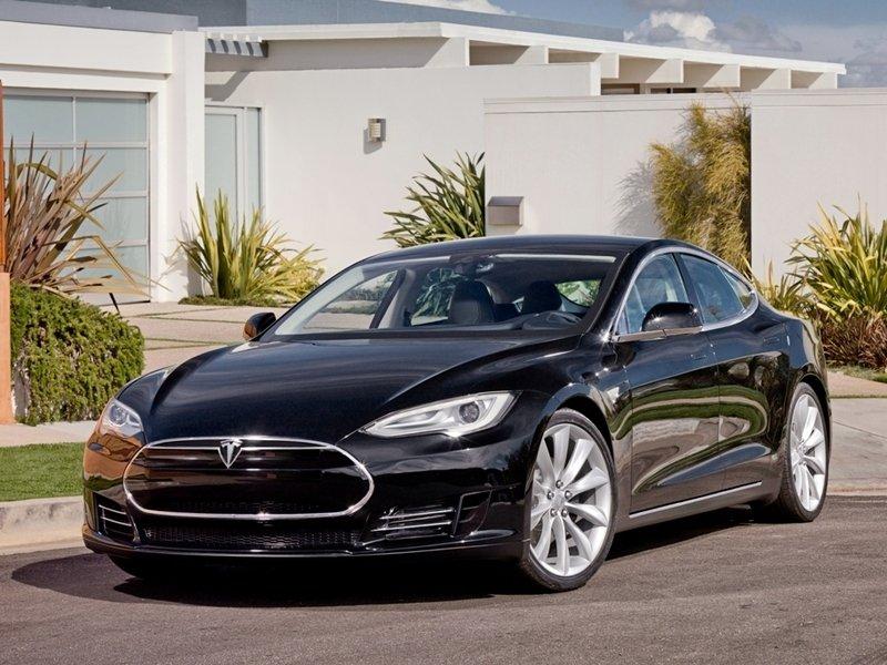 Производитель «Тесла» сталкивается с запретом на слабоконкурентную торговлю