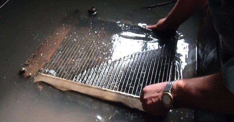Tech-radiatora-ohlazhdeniya-avtomobilya-ustranenie1