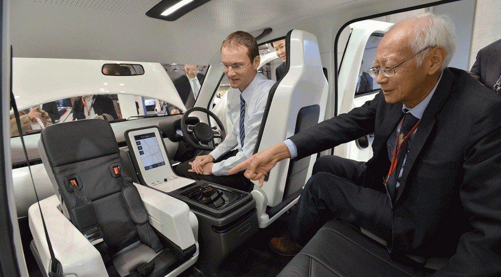 EVA Taxi Concept (2013)