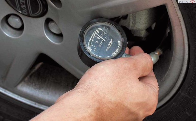 монометр - давление в шинах